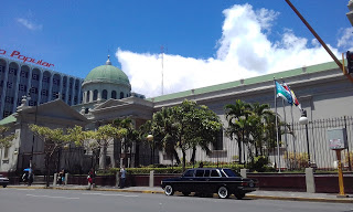 The-Metropolitan-Cathedral-of-San-Jose.-COSTA-RIXA-W123-MERCEDES-LIMOUSINE-SERVICE-FOR-WEDDINGS.jpg