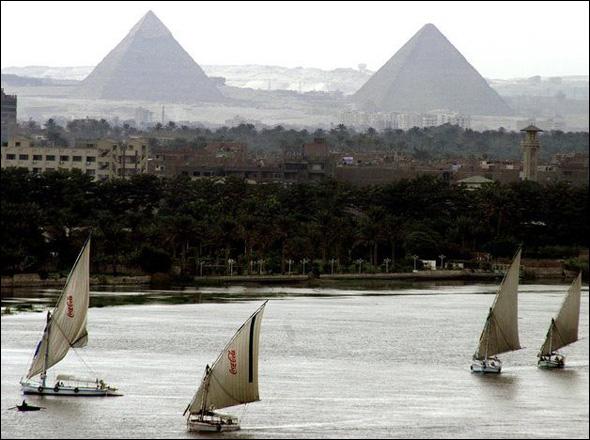 The Pyramids of Giza (2600 - 2500 B.C), Egypt