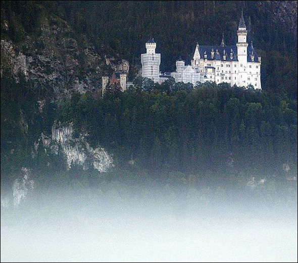 Neuschwanstein Castle (1869 -1884) Schwangau, Germany