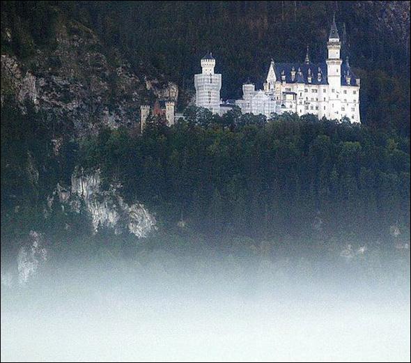 Neuschwanstein Castle (1869 -1884) Schwangau, Germany