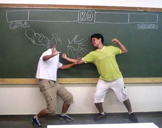 شوفو كيفاش يلعبو التلاميذ في غياب المعلم.................... 8064