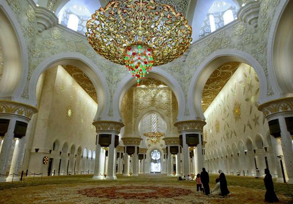 هنصلى فين النهاردة (مسجد الشيخ زايد) Image_1312468325_431