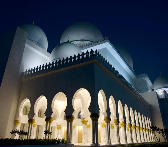 هنصلى فين النهاردة (مسجد الشيخ زايد) Image_1312468325_438