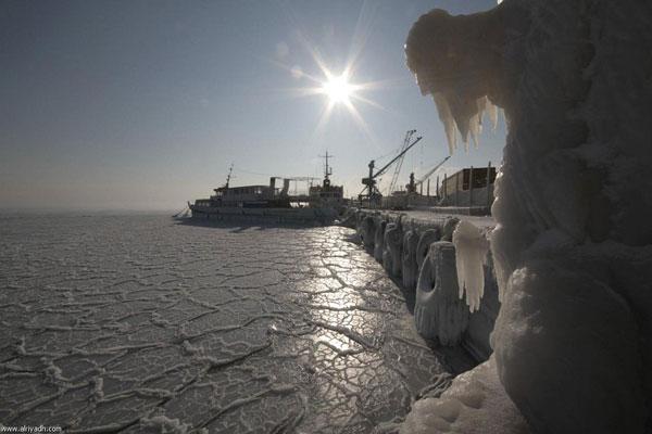 البحر الاسود يتجمد لاول مرة منذ 30 سنة Image_1342277924_911